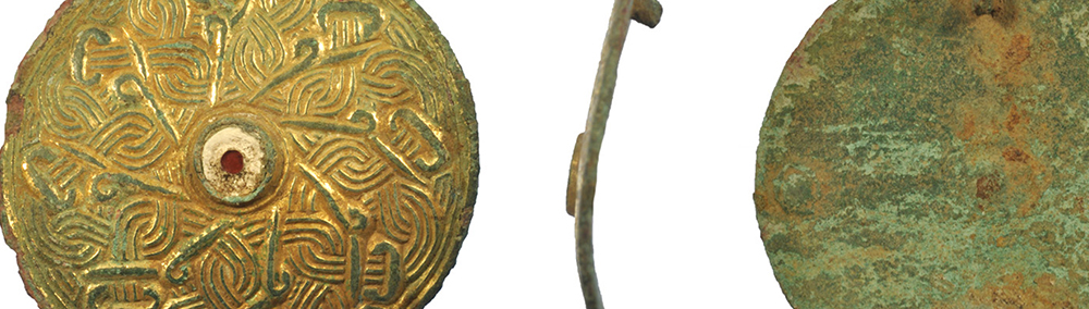 gold anglo-saxon harness mount